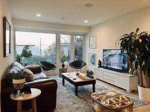 Goldbrettberg Living Room