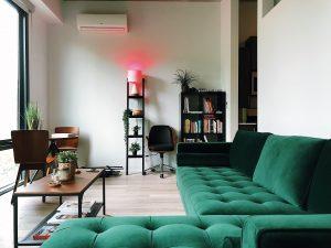 image of a contemporary living room