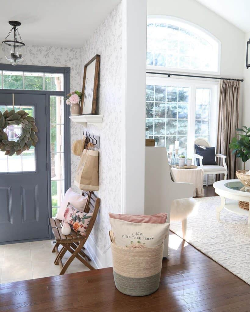 willowbloomhome entrance and partition