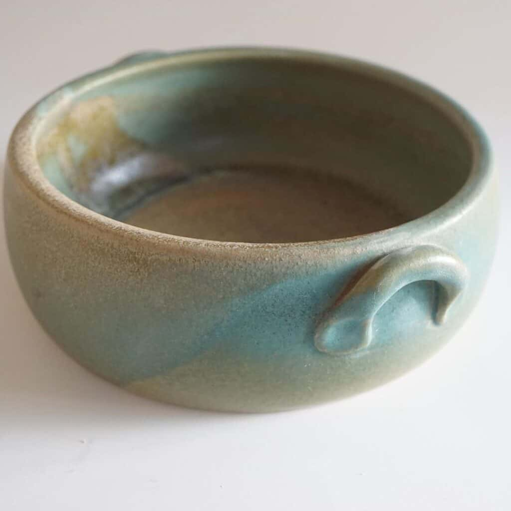 Nature Design Pottery pot with handles