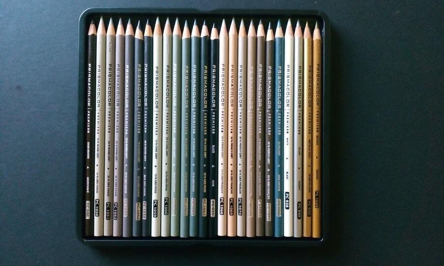 a tin of colouring pencils