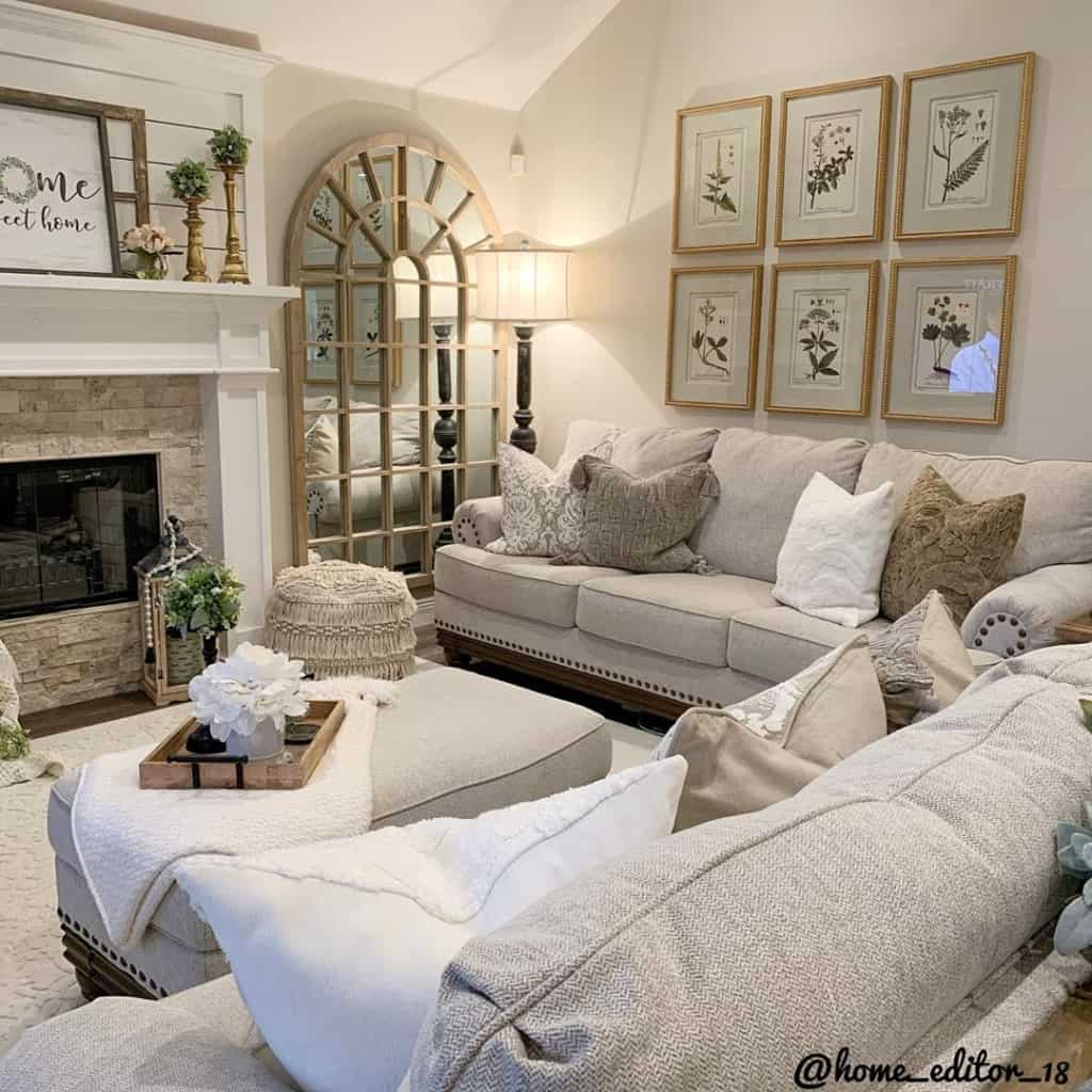 Chriselda French Country living room